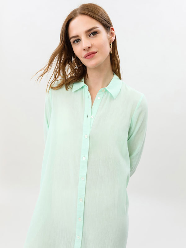 Camisa comprida e leve
