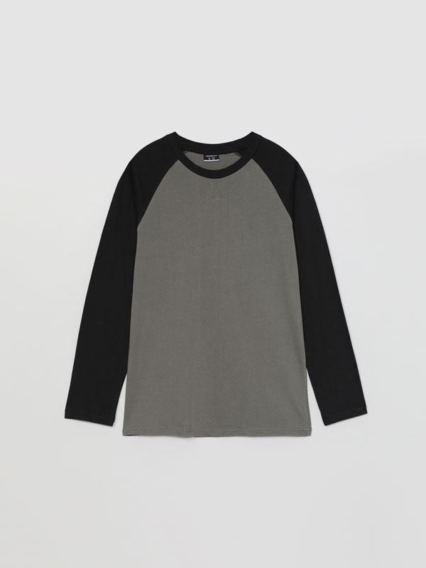 Camiseta de manga longa combinada