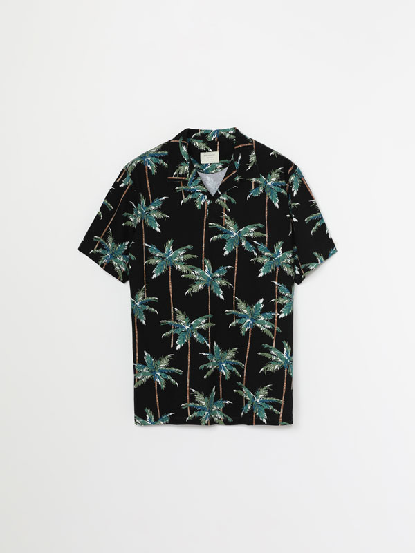 Printed polo shirt with short sleeves