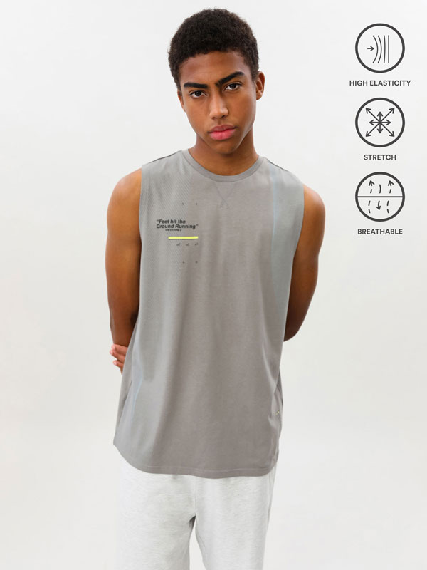 Camiseta de adestramento sen mangas estampada