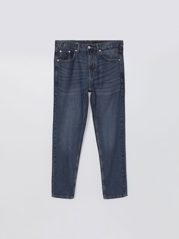 Relaxed fit tapered jeans