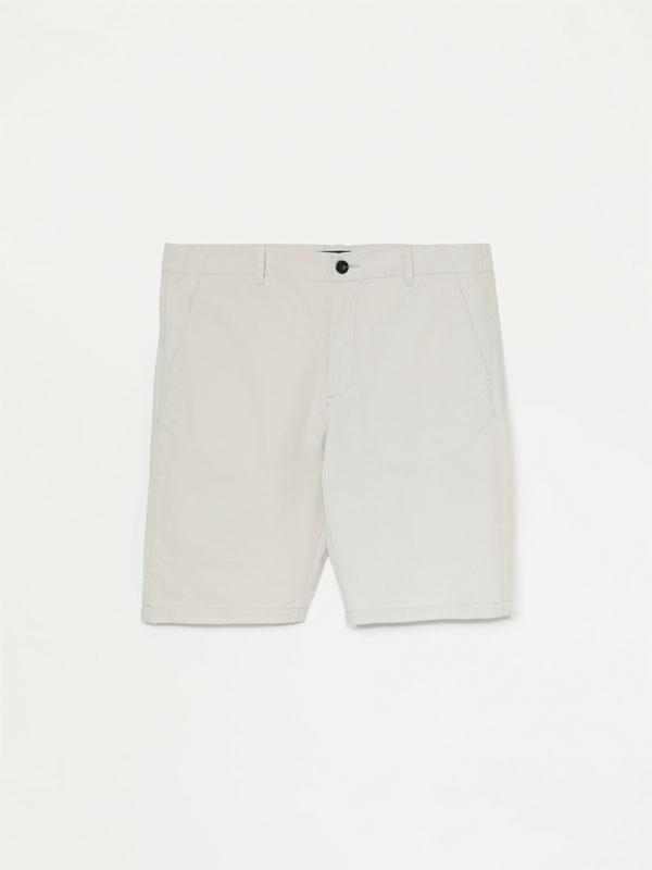 Basic Bermuda chino shorts