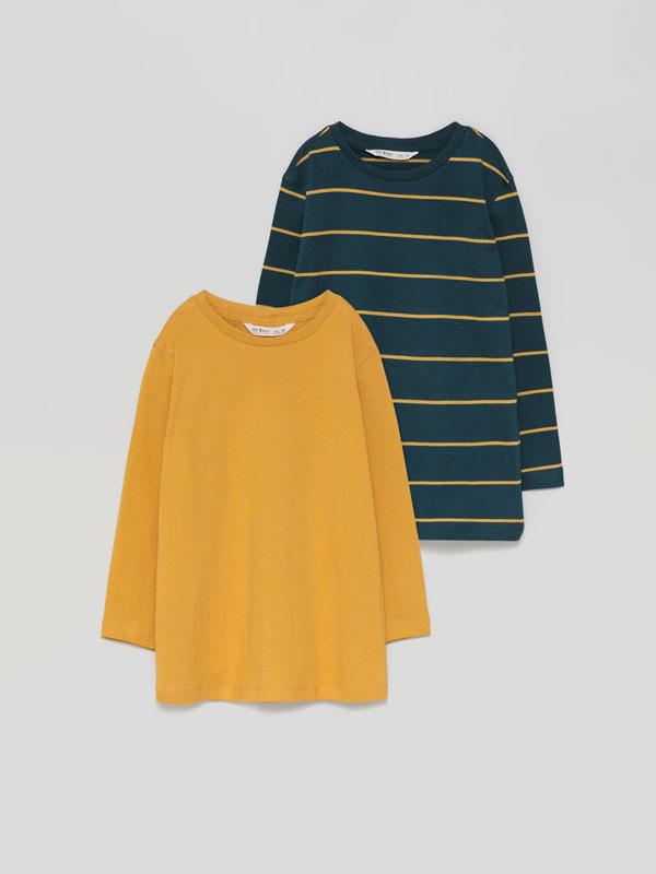 Pack de 2 t-shirts básicas, uma lisa e outra às riscas, de manga comprida
