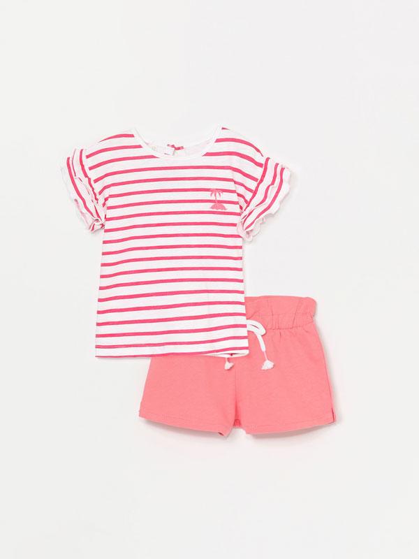 Conxunto de camiseta e pantalón curto de 2 pezas