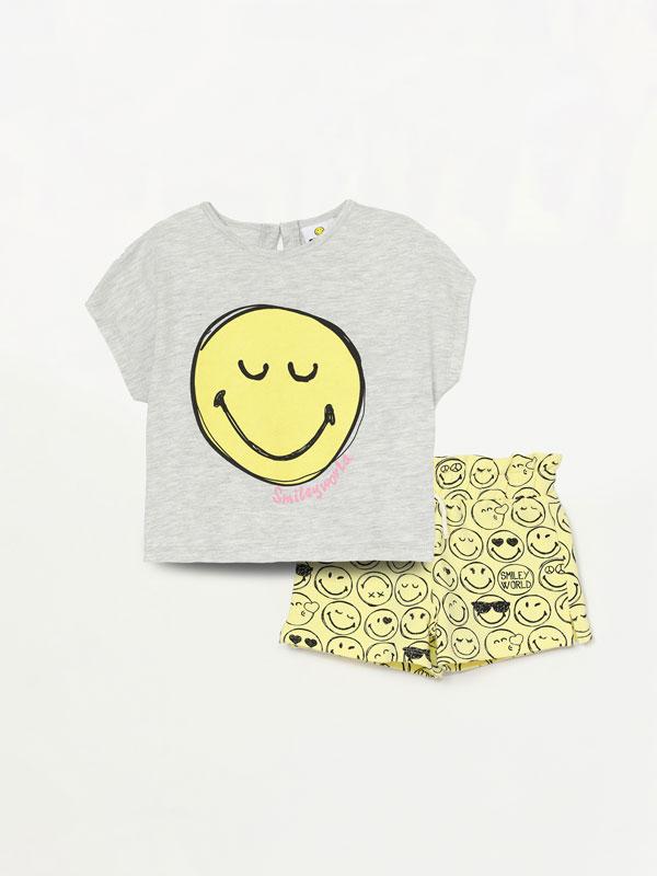 Conxunto de camiseta e pantalón curto de SmileyWorld®