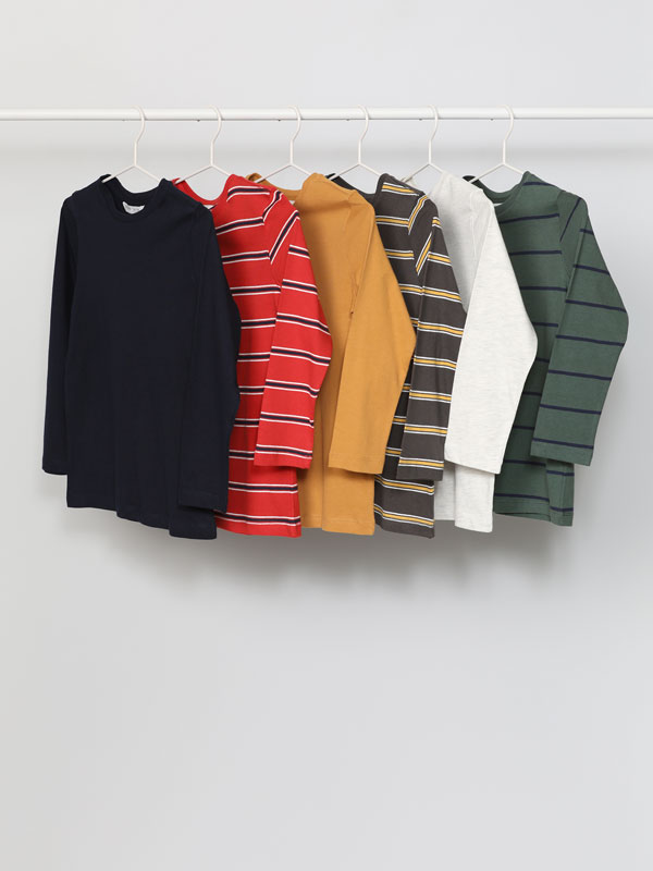 Pack de 6 camisetas básicas lisa e estampada de raias e manga longa
