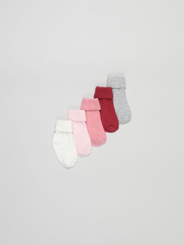 Pack de 5 pares de calcetines largos con vuelta de canalé.