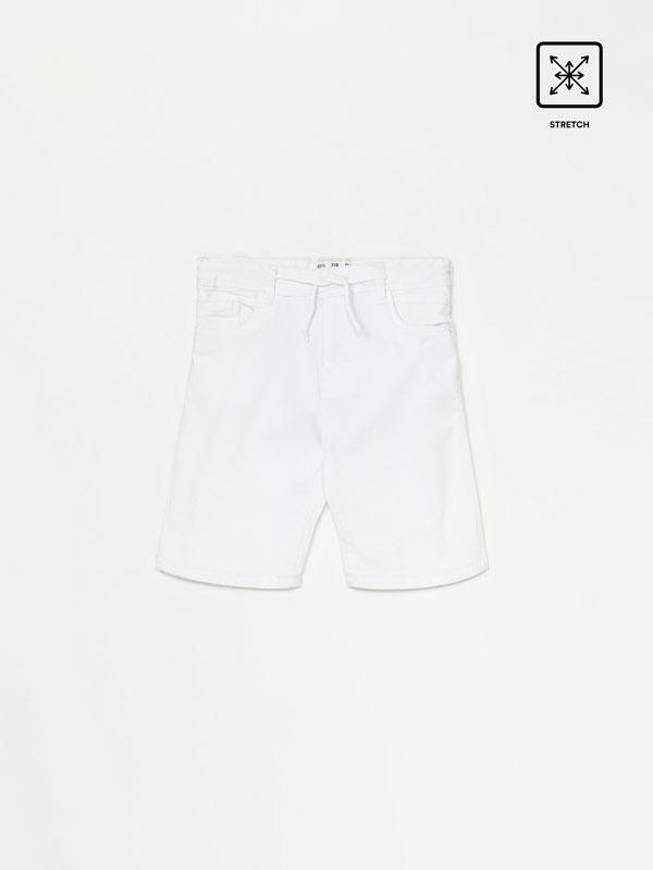 Stretch coloured denim Bermuda shorts