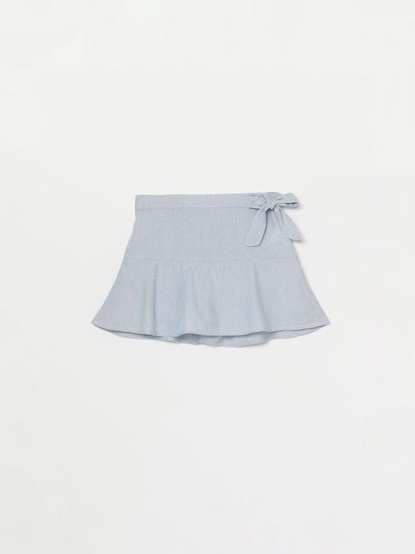 Lightweight denim skirt with bow detail