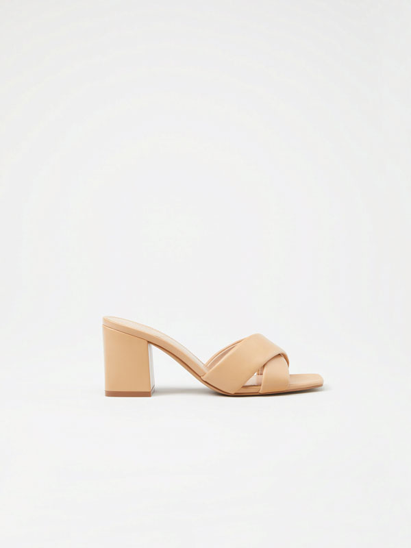 Crossover padded sandals