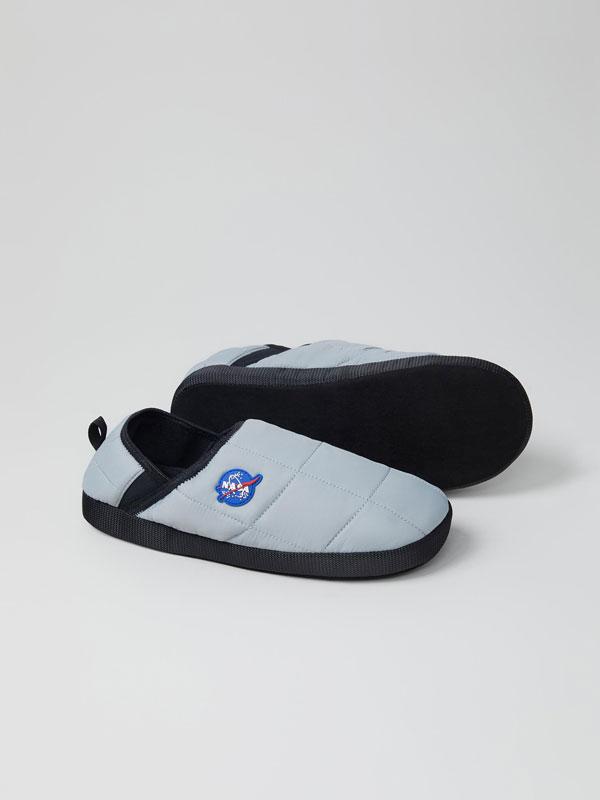 Pantufas acolchoadas NASA