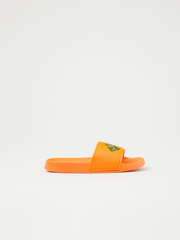 Slogan pool sandals