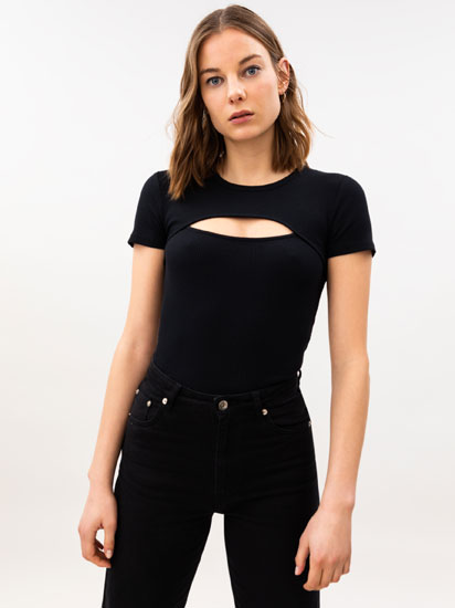 T-shirt with slit detail