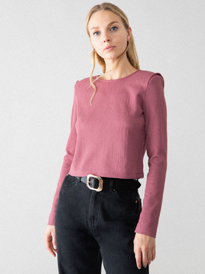 Cropped T-shirt with shoulder pads