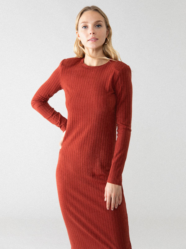 Long sleeve dress with shoulder pads