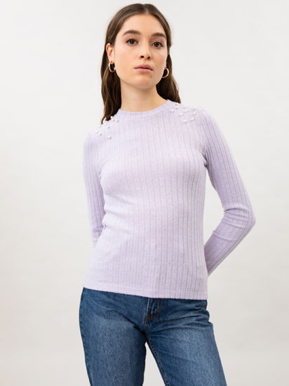 Ribbed sweater with faux pearl beads