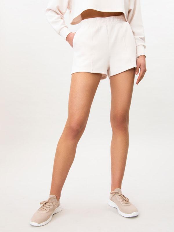 Pantalón curto de tacto moi suave