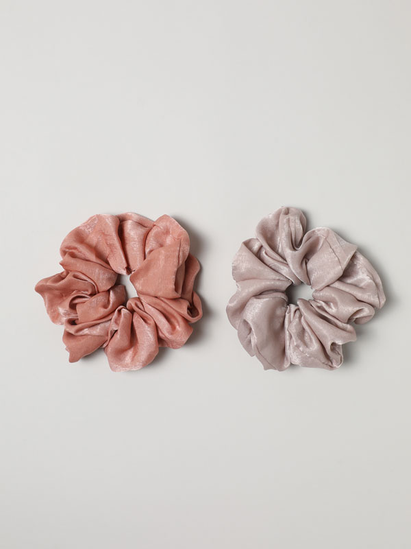 Pack of 2 satin scrunchies