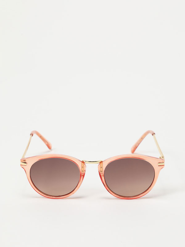 Large round sunglasses