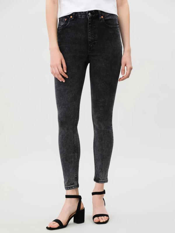 Jeans cintura subida