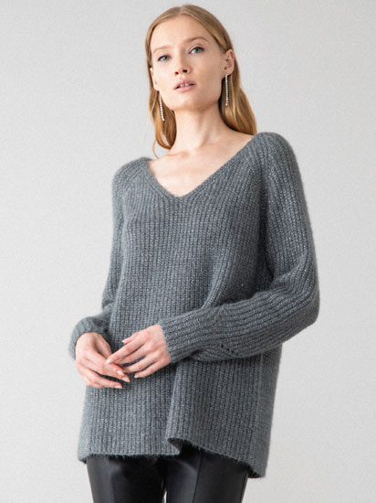 SHINY SWEATER WITH A LOW-CUT BACK