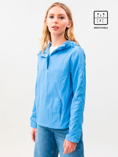 Lightweight hooded anorak