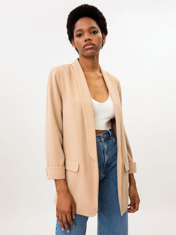 Basic blazer with buttons on the sleeves