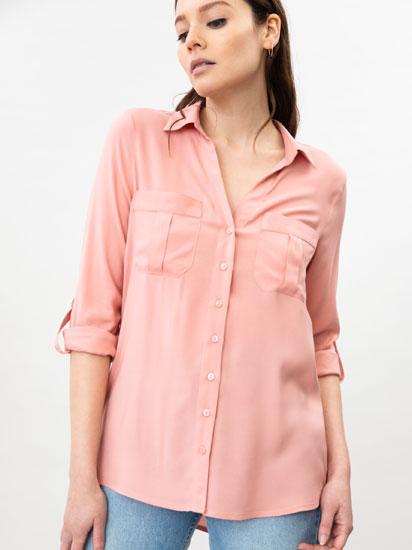 Camisa básica com bolsos