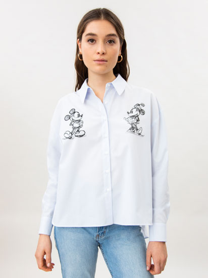 Camisa oversize con estampado de Mickey & Minnie ©Disney