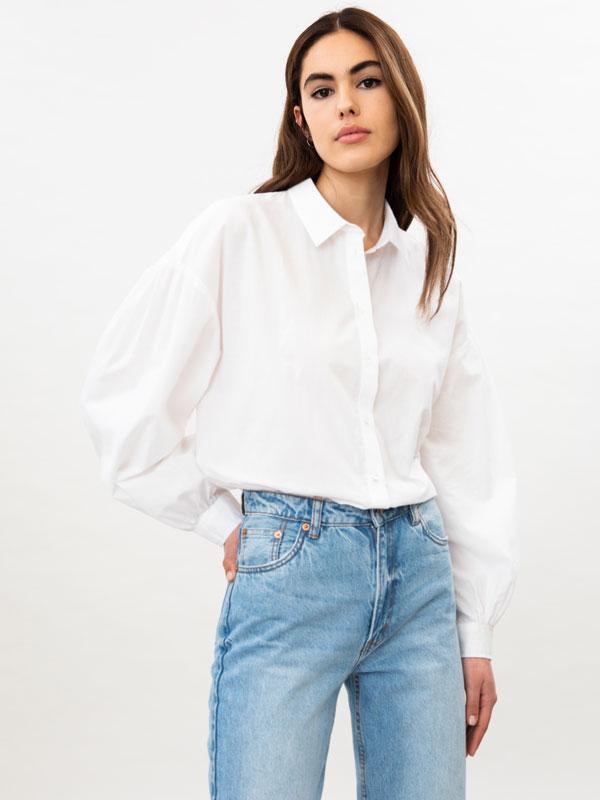 Camisa de popelina com manga abalonada