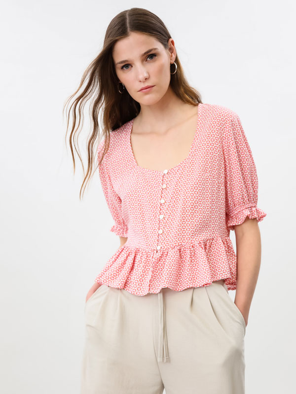 Printed blouse with puff sleeves