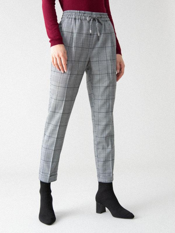 Jogger básico de vestir con cordón