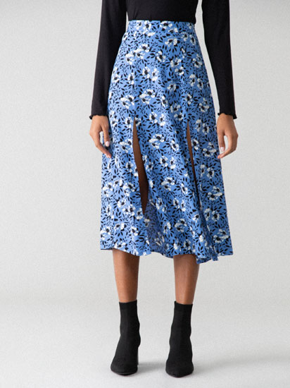 Midi skirt featuring front slits