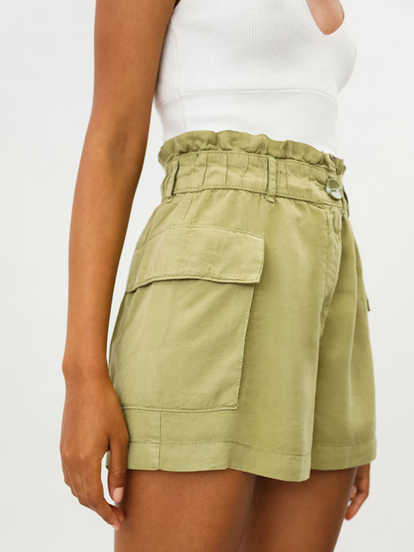 Flowing shorts
