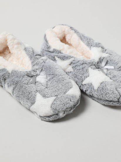 Faux fur slippers with stars