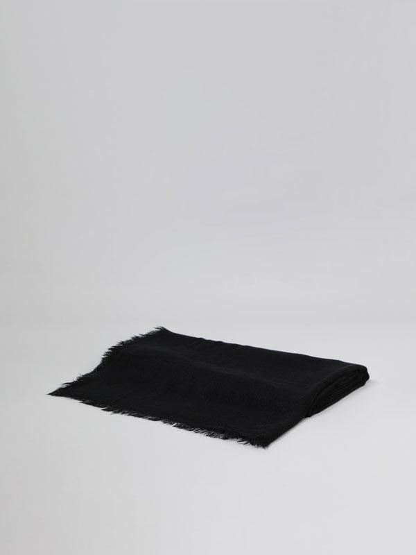 Basic plain scarf