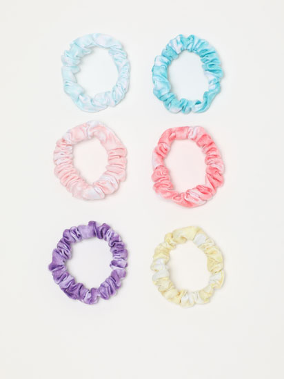 Pack of 6 scrunchies with a tie-dye print.