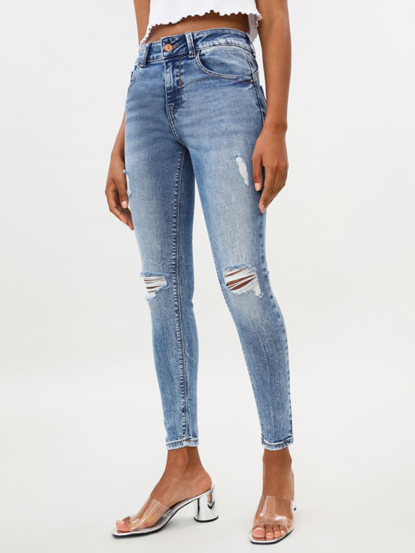 Push-up jeans with rips