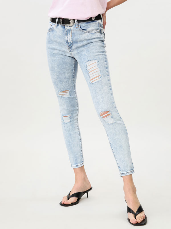 Jeans super skinny fit com rasgões