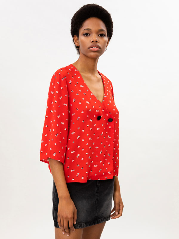 Printed blouse with buttons