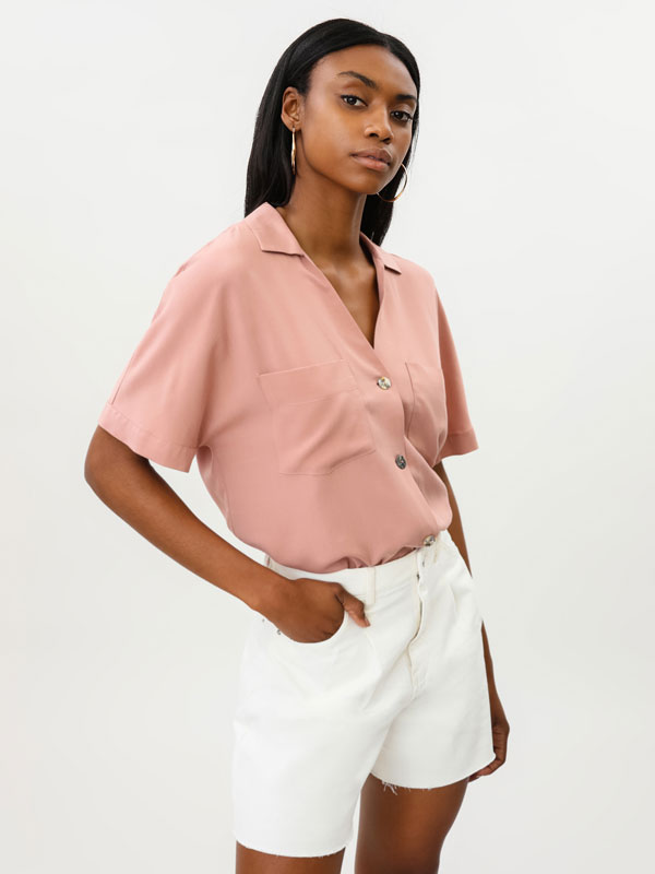 Short sleeve rustic loose-fitting shirt