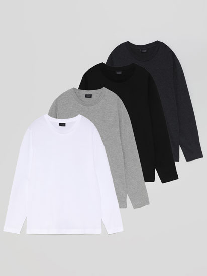 4-pack of basic T-shirts