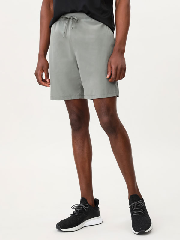Stretch Bermuda sports shorts
