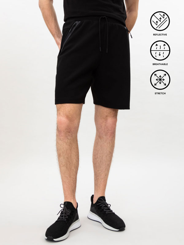 Sporty Bermuda shorts with pockets