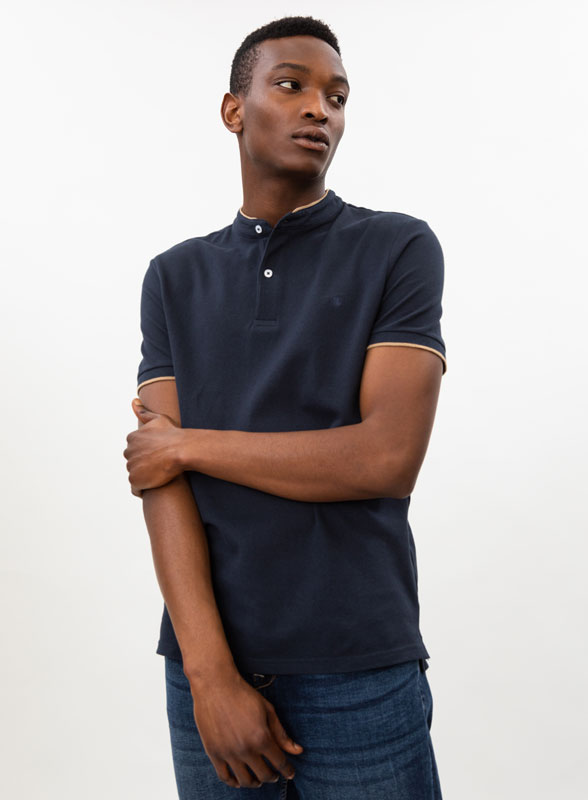 Stand-up collar polo shirt