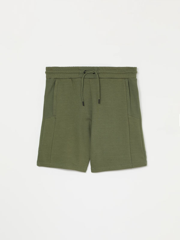 Plush Bermuda shorts with ottoman details
