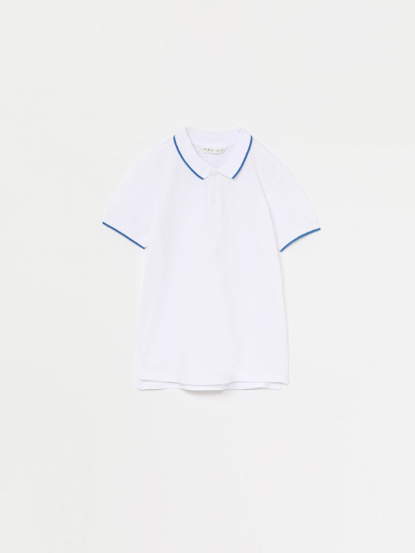 Polo shirt with contrast line