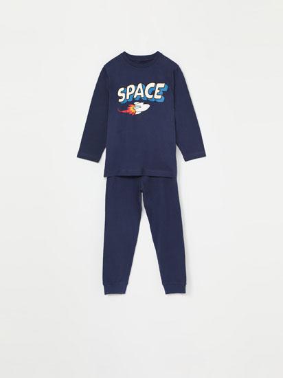 Pijama-konjuntoa Space estanpatuarekin
