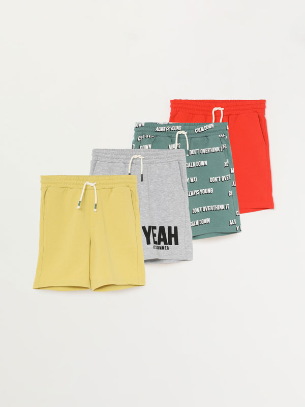 PACK OF 4 PLAIN AND PRINTED PLUSH BERMUDA SHORTS