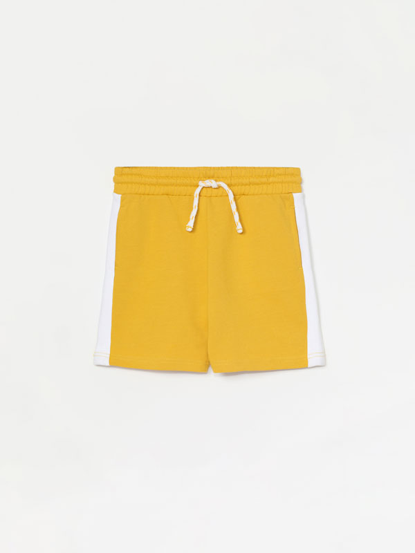 Plush Bermuda shorts with a stripe
